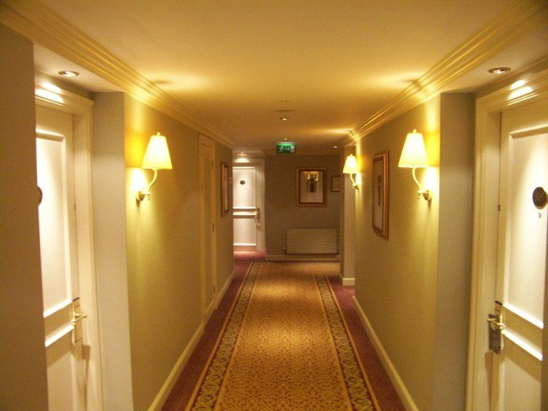Jak zagospodarować przestrzeń w korytarzu?