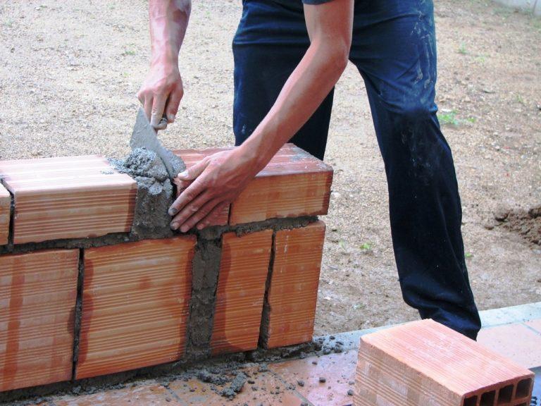Firma budowlana – potrzebne narzędzia na budowie